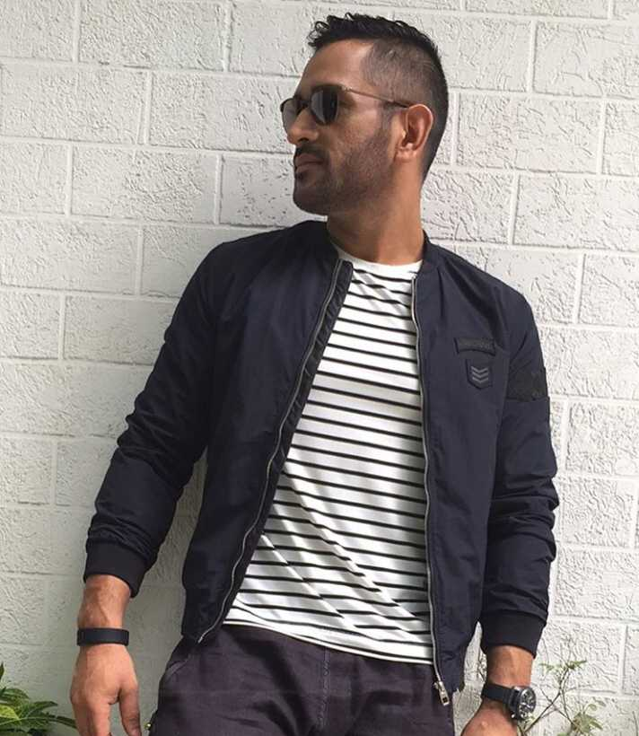 Latest ms dhoni images download
