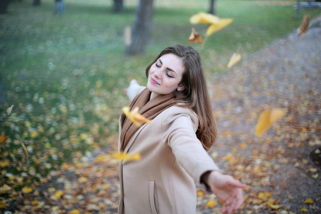 Beautiful happy girl images for whatsapp dp